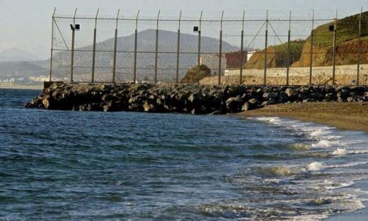 توقيف أربعة مغاربة دخلوا الناظور سباحة من مدينة مليلية ووضعهم تحت تدابير الحجر الصحي