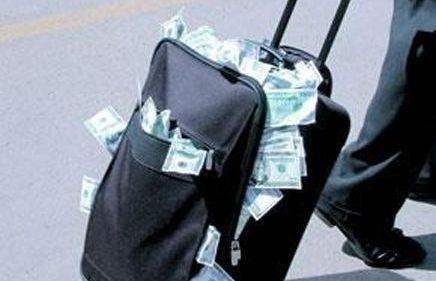 تهريب 2000 مليار سنويا من المغرب إلى الخارج
