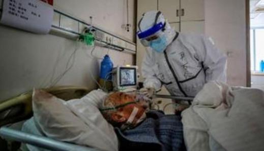 رئيس قسم الإنعاش.. نستقبل عدد كبير من الحالات الحرجة المصابة بكورونا وهناك من يموت عند باب المستشفى