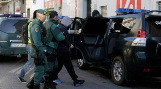 اعتقال مغربي في إسبانيا متّهم بسرقة مليار ونصف من داخل مخزن للتّبغ