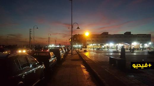 شواطئ وشوارع غارقة في ظلام دامس بسبب غياب الإنارة العمومية بجماعة أركمان