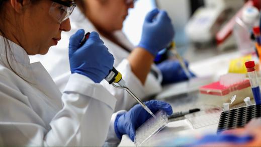 خبراء روس: تلقيح المواطنين ضد فيروس كورونا سيستغرق عاما كاملا