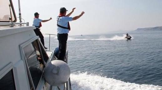 """الدّرك البحري يوقف إسبانيَين حاولا تهريب """"الحشيش"""" بواسطة جيتسكي"""