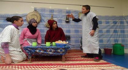 """جمعية مولاي موحند للمسرح الأمازيغي تقدم عرضها المسرحي الجديد """"أيوجير"""""""