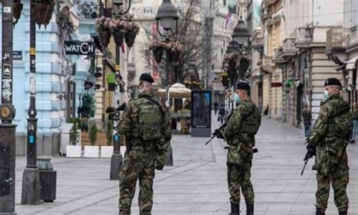 """السلطات الإسبانية """"تستنجد"""" بالجيش لمكافحة كورونا في المناطق الأكثر تضرّرا بتفشّي الفيروس"""