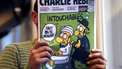 """صحيفة """"شارلي إيبدو"""" تستفز المسلمين مجددا من خلال إعادة نشر الرسوم المسيئة إلى الرسول"""