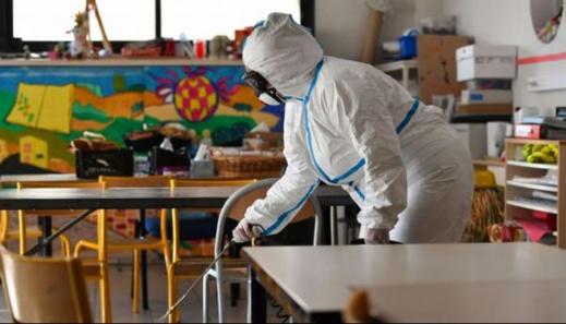 هذا ما يخشاه المغرب.. فرنسا تغلق 22 مدرسة عمومية بسبب انتشار فيروس كورونا