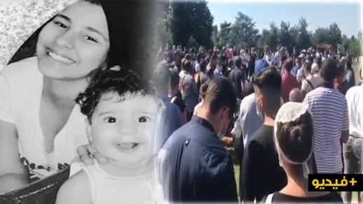 شاهدوا .. جنازة مهيبة للطفلتين المغربيتين ضحيتا الشجرة بإيطاليا