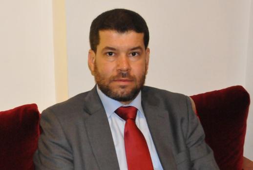 فاروق الطاهري يراسل وزير الصحة بخصوص معاناة مرضى السرطان بالناظور بعد منح الطبيبة المختصة رخصة ولادة