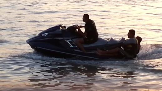 """خفر السواحل الإسباني ينقذ شبانا من إمزرون حاولوا الهجرة باستعمال """"جيتسكي"""""""