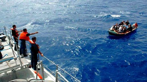 البحرية الملكية تعترض قارب للهجرة السرية على متنه 27 شابا مغربيا أبحروا من الحسمية
