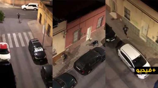 شاهدوا... إلقاء القبض على جزائري عنف إسبانيا بمليلية لسرقة هاتفه النقال