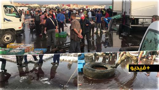 شاهدوا.. كارثة بيئية وصحية في سوق السمك ببني انصار تضع المسؤولين في قفص الاتهام