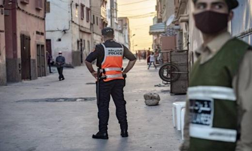 """بعد ارتفاع الإصابات والوفيات بفيروس كورونا فيها.. سلطات هذه المدينة تمنع التنقل من وإلى الأحياء """"الموبوءة"""""""