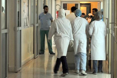 الناظور.. أب ينقل فيروس كورونا إلى أسرته بجماعة زايو والتحاليل تثبت خلو أحد بناته من الوباء