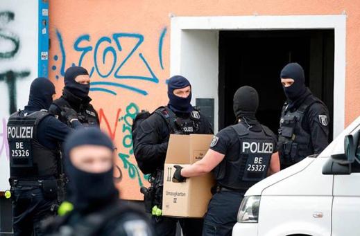 يواجه حكما بـ15 سنة سجنا.. مثول مغربي ضمن عصابة للسطو على الأبناك على هيئة الحكم بألمانيا