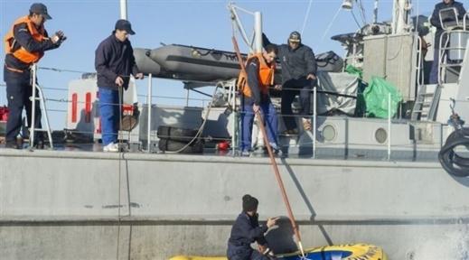 """الحسيمة.. البحرية الملكية تجهض محاولات للتهجير السري على متن زورق ودراجتَي """"دجيتسكي"""""""