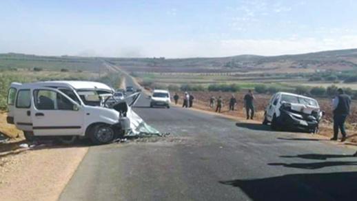 بالصور.. قتيلان من عائلة واحدة وجريح في حادثة سير مروعة ضواحي فاس