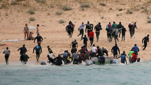 """هجرة سرية.. جزر الكناري الإسبانية تسجّل """"أكبر تدفق"""" للمهاجرين منذ 2006"""