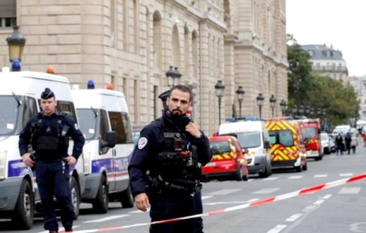 قضية قطع رأس المدرّس بفرنسا.. هذا ما طلبه الفاعل من التلاميذ