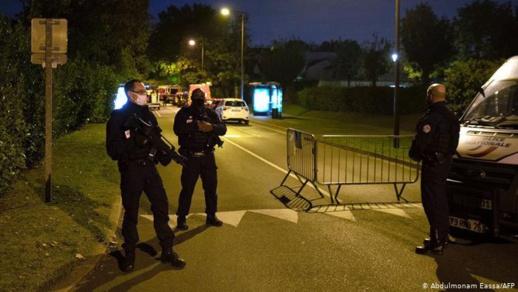 فرنسا تطلق حملات أمنية ضد منتمين للتيار الاسلامي