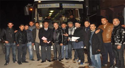 جمعية روابط المستقبل بفرنسا تتبرع بحافلة للطلبة بمدينة زايو