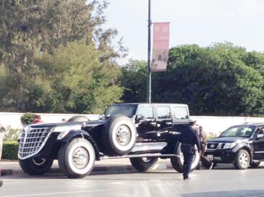 سيارة أميرية فارهة في شارع طريق زعير حديث الفايسبوكيين نهاية رأس السنة