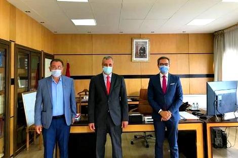 عامل الحسيمة ورئيس المجلس البلدي يجتمعان بممثل صندوق الأمم المتحدة للسكان لإطلاق مبادرة سلامة في العمل