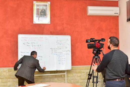 وزارة التعليم توقف بث الدروس الموجهة للتلاميذ خلال العطلة البينية وهذا موعد استئنافها