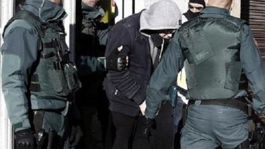 اعتقال مغربي بإسبانيا أشاد بقطع رأس المدرس الفرنسي
