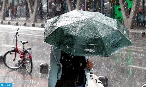 رياح قوية محليا وأمطار رعدية معتدلة يومي الخميس والجمعة بعدد من مناطق المملكة