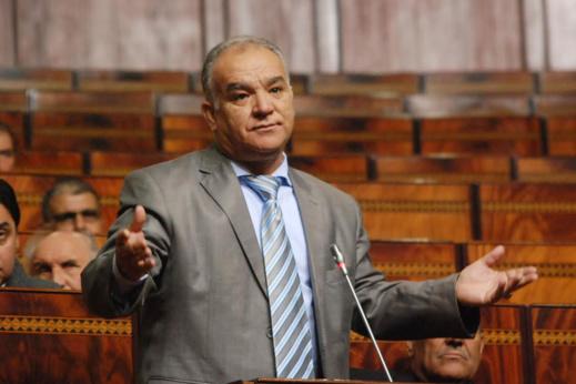 البرلماني مضيان يقترح تخصيص تعويض لكل موظف عمومي يبتسم في وجه المواطنين