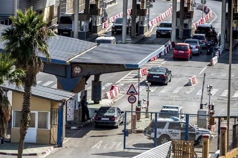 """السلطات الإسبانية تعلن """"قرب"""" فتح حدود سبتة ومليلية المحتلتين مع المغرب"""