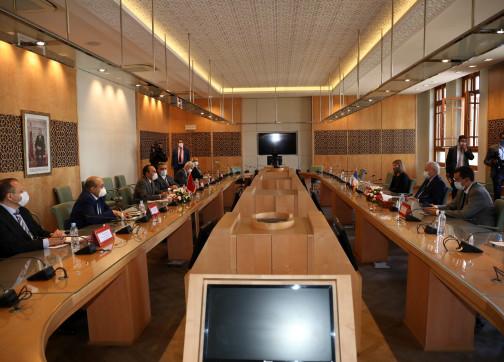 """برلمانيون فرنسيون من مجلس النواب المغربي: هناك سوء فهم لتصريحات الرئيس ماكرون """"المسيئة"""""""