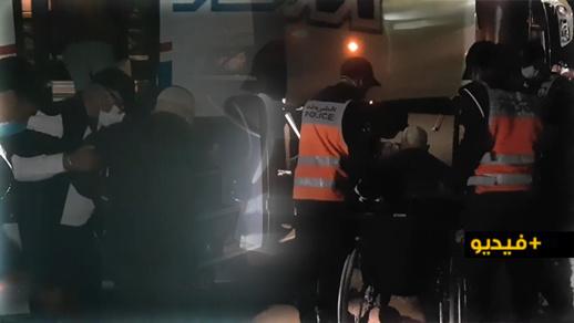 في سلوك إنساني راق.. رجال شرطة بالناظور يساعدون مُقعَدا مسنّا في ركوب الحافلة