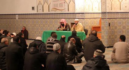 الشيخ راشد القحطاني يزور مسجد الفتح بمدينة بركهايم في ألمانيا