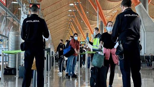 يهمّ الجالية.. إسبانيا تغرّم من يدخلون أراضيها دون اختبار سلبي لكورونا بـ6 آلاف يورو