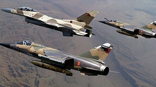 نشر دبابات مغربية متطورة قرب الجدار الأمني وطائرات إف 16 جاهزة للتدخل الفوري