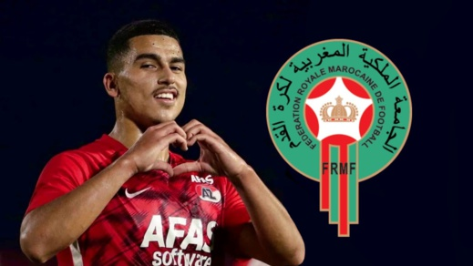 """وعد بأن يرحله إلى هولندا قريبا.. لاعب المنتخب الوطني """"أبو خلال"""" يتبنى طفلا من المغرب"""