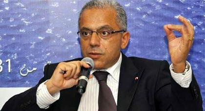 عبد اللطيف معزوز يعقد لقاءا مع أفراد الجالية المغربية المقيمة في قطر