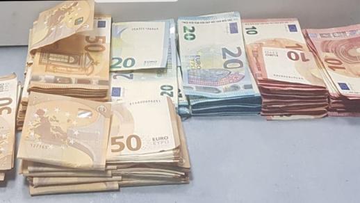 جمارك ميناء بني أنصار تحبط عملية تهريب 19 ألف يورو بحوزة مهاجر مغربي