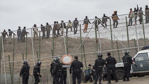 من أجل إغراق الناظور وباقي المناطق الحدودية.. القضاء الإسباني يوافق على ترحيل المهاجرين من مليلية
