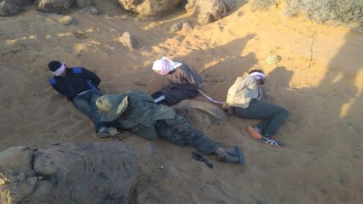 القوات المسلحة تطلق النار على مهربي المخدرات قرب الجدار الرملي