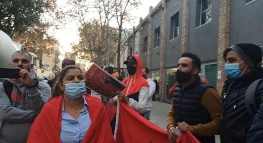 مغاربة إقليم الباسك ينددون باعتداءات عصابات البوليساريو على قنصليات المملكة في اسبانيا