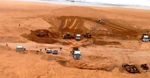 بارونات مقالع الرمال يعرقلون عمل لجنة برلمانية استطلاعية واتهامات للسلطات بالتواطؤ