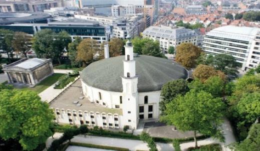 قاضي يؤيد وقف أنشطة المسجد الكبير ببروكسيل بسبب شبهات التجسس للمغرب