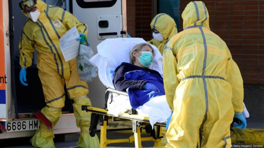عدد وفيات كورونا اليومية في إيطاليا يعاود الارتفاع