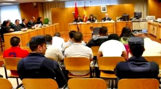 أفراد شبكة للهجرة السرية يواجهون عقوبات سجنية تصل لـ50 سنة بتهم تهجير مغاربة واحتجازهم