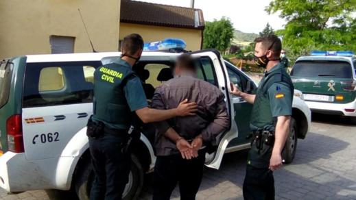 اعتقال ثلاثة أشخاص احتجزوا مهاجرين سريين بينهم مغاربة في ظروف غير انسانية