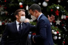 رئيس الحكومة الإسبانية بيدرو سانشيز يُخضع نفسه للحجر الصحي الذاتي بعد مخالطته ماكرون المصاب